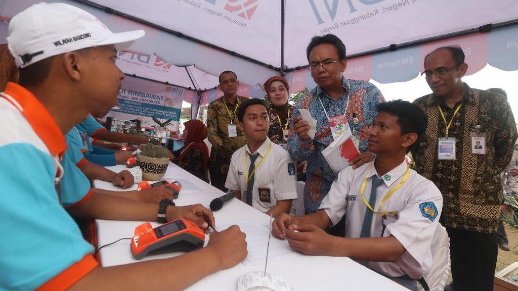 BNI Manjakan Penerima Program Indonesia Pintar