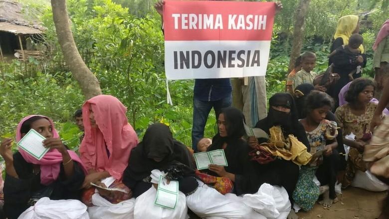 Tantangan Besar Bangladesh Tangani Rohingya, Bantuan Indonesia Tiba