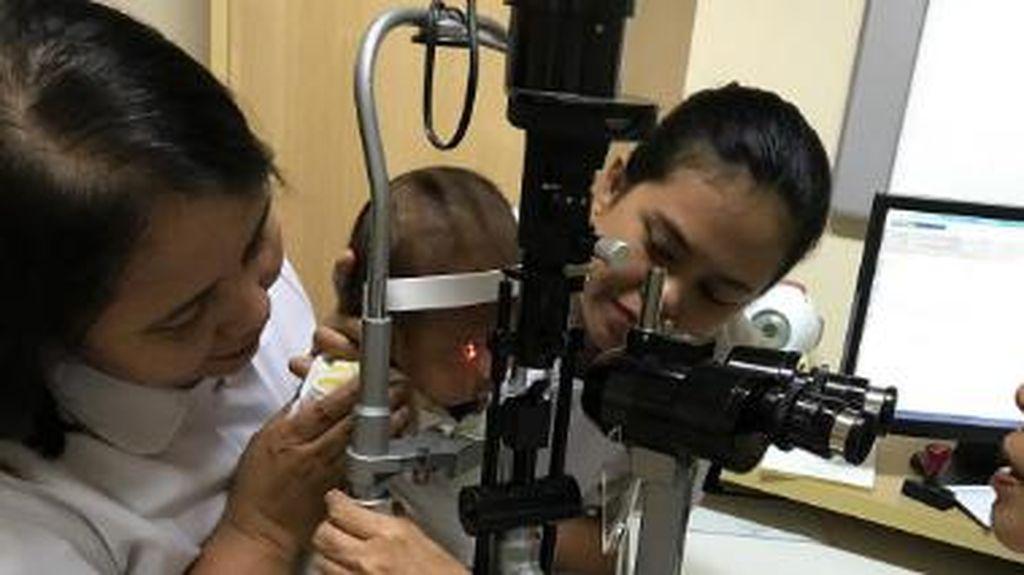 Kenali Penyebab Penyakit Katarak pada Bayi
