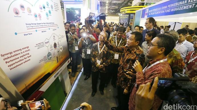 Menteri Jonan Buka Pameran Energi Terbarukan