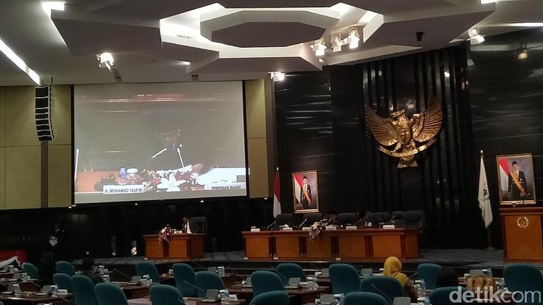 Laporan Akhir Djarot: Atas Nama Jokowi-Ahok, Terima Kasih DPRD