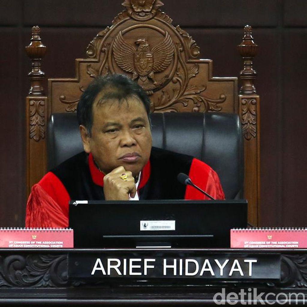 Ketua MK Langgar Kode Etik karena Temui Anggota DPR Tidak Resmi