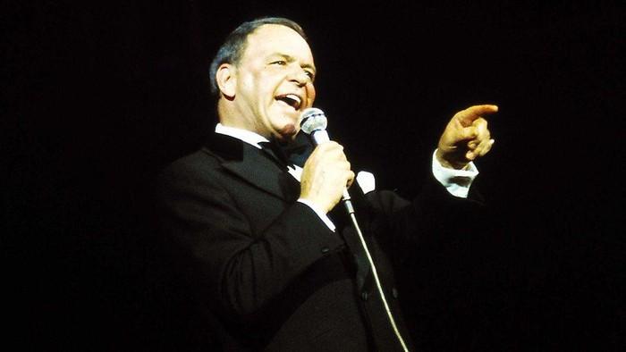 Nodul vokal nampaknya jadi masalah yang cukup sering menghantui para penyanyi. Sang Legenda Frank Sinatra pun sempat mengalami masalah pada vokalnya hingga tidak dapat bersuara selama satu bulan lamanya. (Foto: BBC)
