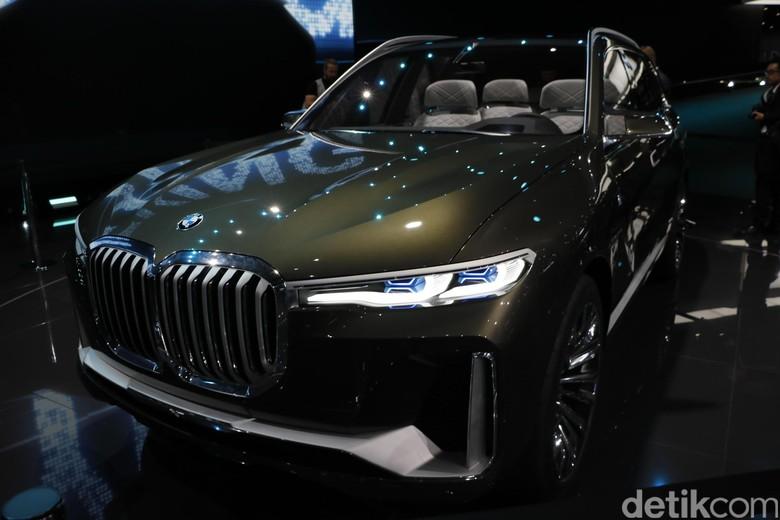SUV dengan Grille Super Besar BMW