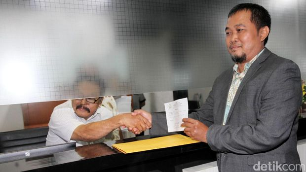 Koordinator MAKI Boyamin Saiman melaporkan Fadli Zon ke MKD DPR