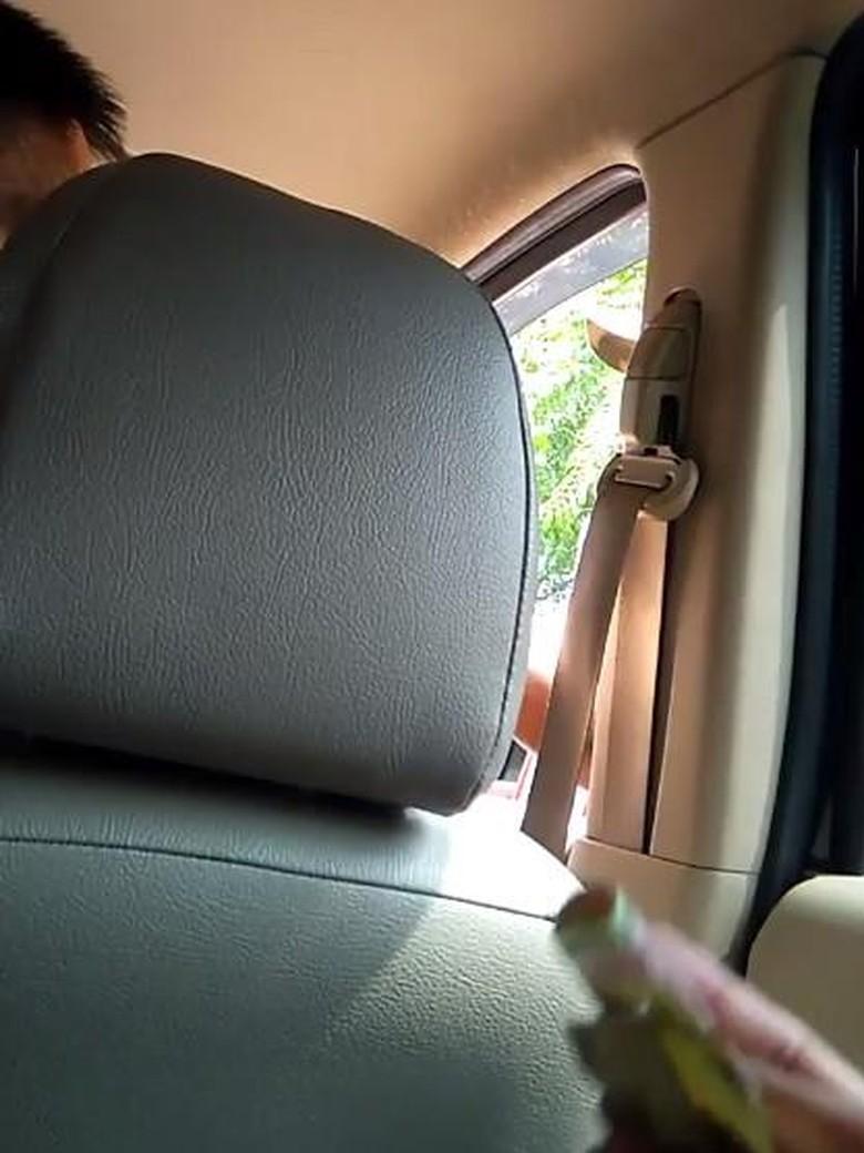 Viral Driver Uber Cekcok dengan Tukang Parkir Saat Diminta Bayar