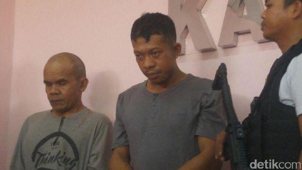 Dua pelaku pembunuhan Husni dan Zakiah ditangkap. Satu pelaku ditembak mati karena melawan polisi.