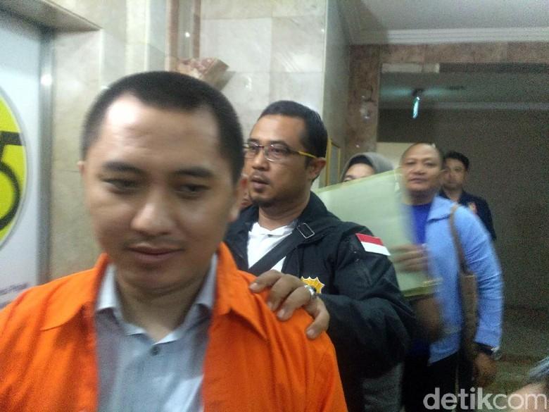 Pengacara Bos First Travel Klaim - Jakarta Bareskrim Polri menyebut bos First Travel diduga menggunakan duit Rp miliar dari dana setoran jemaah umrah untuk