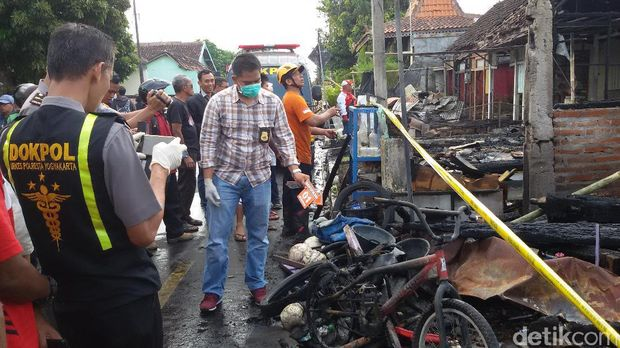 2 Korban Luka dalam Kebakaran 6 Rumah di Yogyakata Dilarikan ke RS