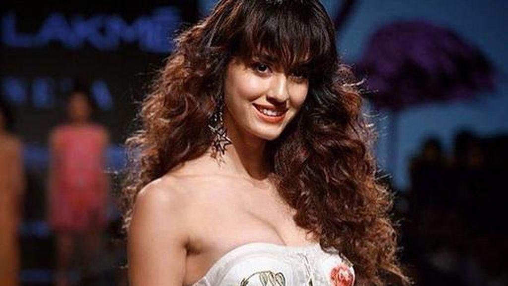 Pesona Disha Patani, Aktris Cantik Asal India