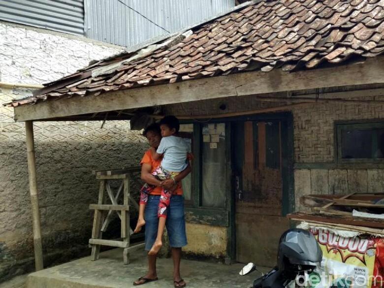 Bocah Kelas 5 SD di Sukabumi Mendadak Lumpuh Usai Imunisasi