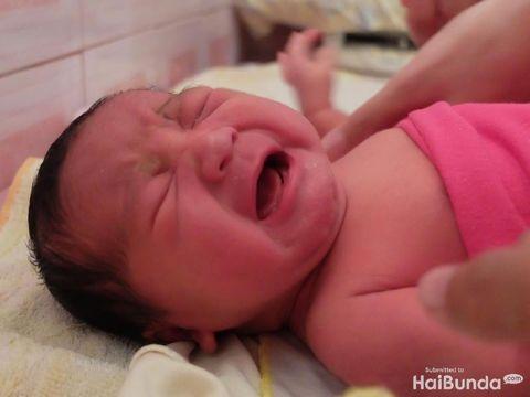 Jangan beri air putih pada bayi baru lahir/