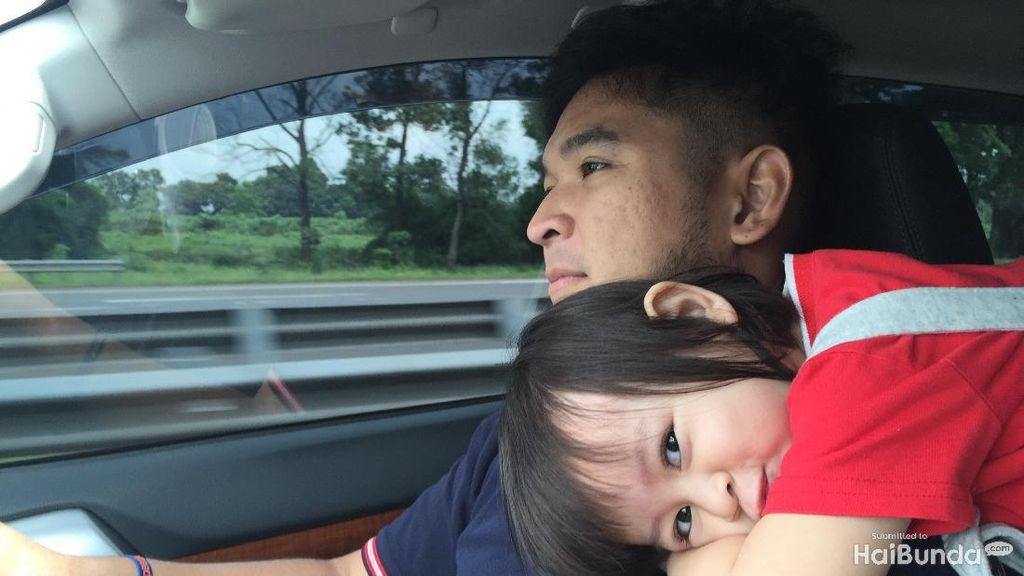Curhat Ayah yang Cemburu Sama Kedekatan sang Anak dan Bundanya