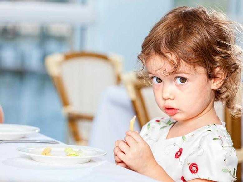 Selain Jauhi Gadget dari Anak, 5 Makanan Ini Juga Bisa Sehatkan Mata Si Kecil