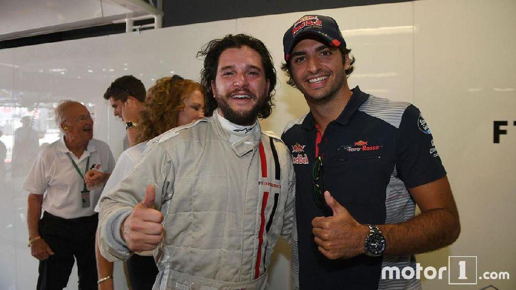 Jon Snow dan Ser Davos Bertarung Melalui F1