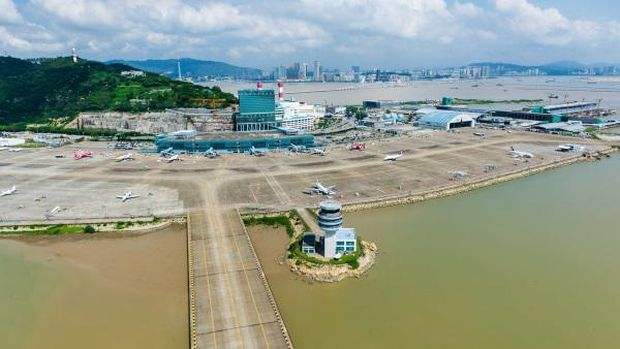 3 Bandara Ini Ada di Atas Tanah Reklamasi