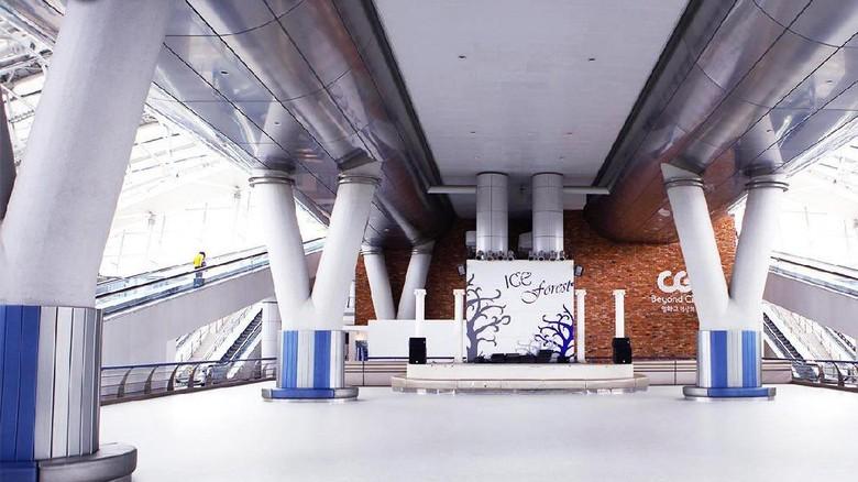 Bandara Incheon yang punya arena skating (Incheon Airport/ Facebook)