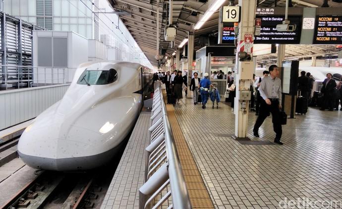 Yuk Intip Ramainya Penumpang Shinkansen