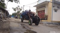 Kisah Sarmin Penjual Air Keliling di Cirebon Kuliahkan Dua Anak