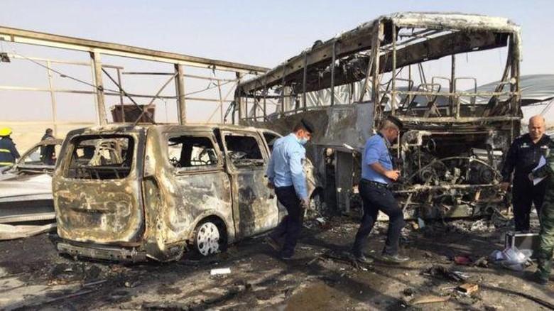 Bom Bunuh Diri dan Penembakan Terjadi di Irak, 50 Orang Tewas