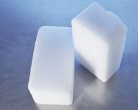 Kalau mati listrik gunkaan dry ice atau es balok.