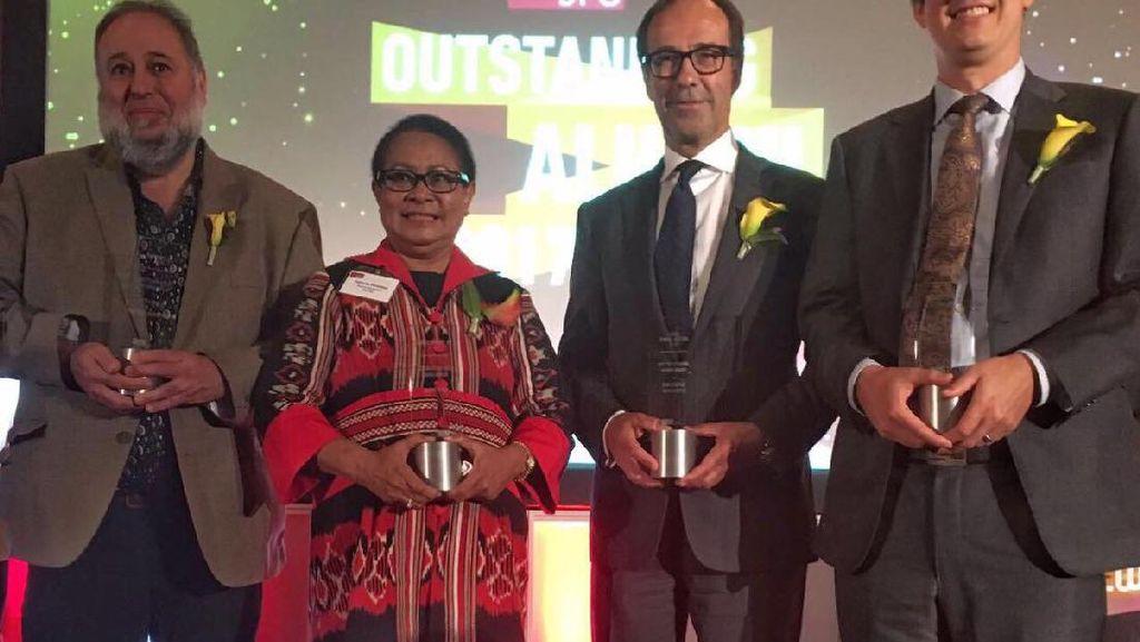 Menteri Yohana Dapat Penghargaan dari Universitas di Kanada