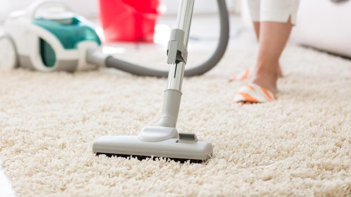Anggapan bahwa pekerjaan rumah seperti menyapu dan mengepel adalah olahraga masih sering jadi perdebatan. Simak penjelasan beberapa pakar berikut ini. Foto: Ilustrasi/thinkstock