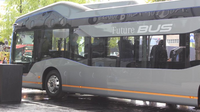Keren, Bus Bandara Tanpa Sopir