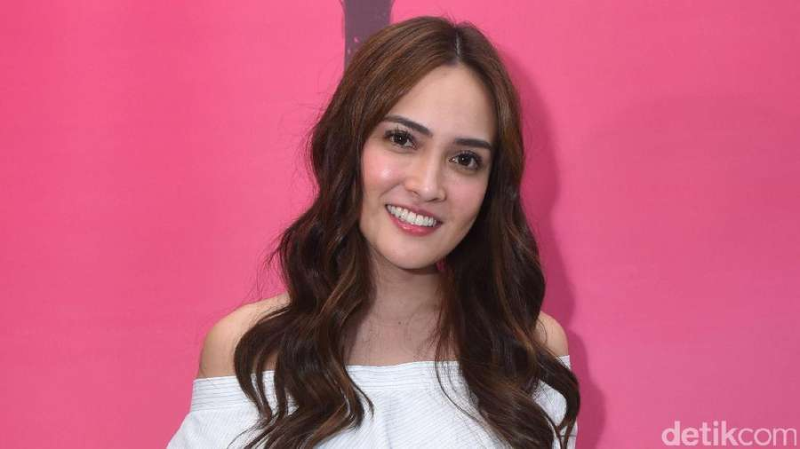 Shandy Aulia, Pretty Like A Princess