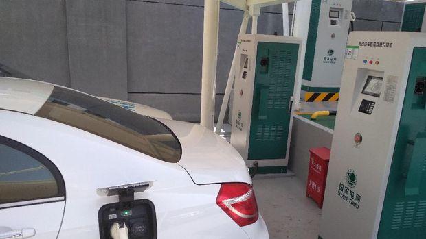 Mobil listrik di China