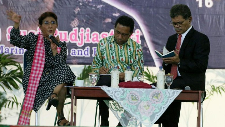 Menteri Susi Orang Ketiga yang Diberi Gelar Dr HC oleh ITS