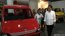 Jokowi: Mobil Esemka Terbentur Usai Produksi, Tunggu Tanggal Mainnya