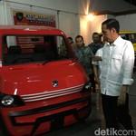 Jokowi Tinjau Pabrik Pelopor Mobil Esemka
