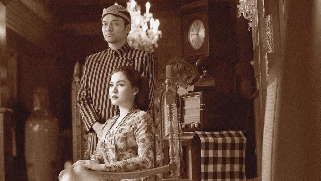 Foto: Inspirasi Foto Prewedding Bertema Jawa Kuno Ala Vicky Shu
