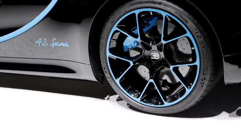 Ini yang Bikin Ban Bugatti Chiron Tembus Rp 1 Miliar