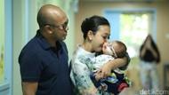 Penanganan Berbeda untuk Anak ke-2 Asri Welas yang Terkena Katarak