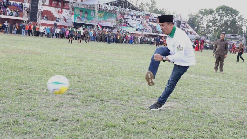 Menpora Tutup Liga Santri Nusantara
