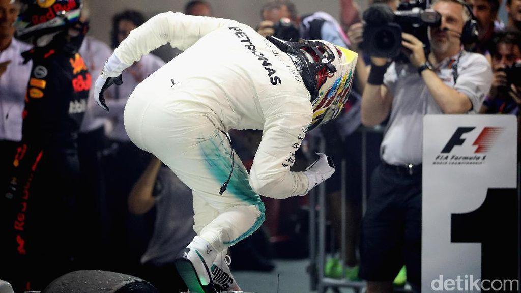 Lewis Hamilton Jadi Juara GP Singapura
