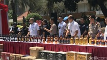 Pemilik 50 Ribu Botol Minuman Beralkohol Masih Diselidiki