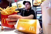 Makan Kentang Goreng McDonald's Usai Hubungan Intim Tak Bakal Hamil
