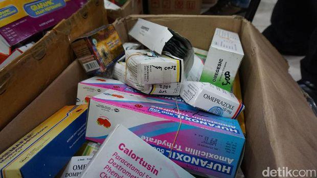 Selain obat daftar G, diamankan pula berbagai jenis obat kuat yang tidak memiliki izin edar