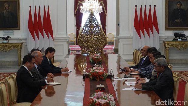 Delegasi World Intellectual Property Organization (WIPO) menemui Presiden Jokowi di Istana.