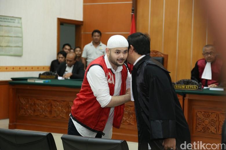 Divonis 10 Bulan Penjara, Ridho Rhoma Mau Menangis