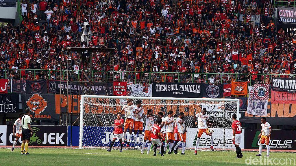 Menagih Lagi Janji Anies-Sandi Bikin Stadion Sekelas Old Trafford untuk Persija