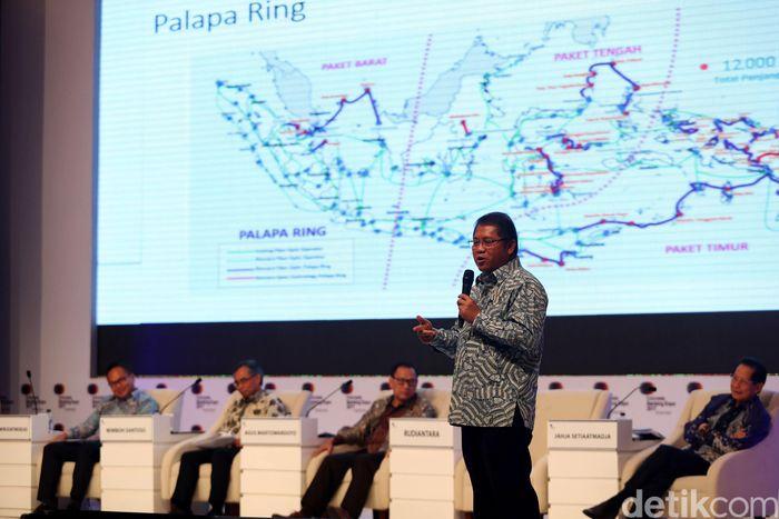 Menteri Komunikasi dan Informatika Rudiantara membuka Indonesia Banking Expo (IBEX) 2017 di JCC, Jakarta, Selasa (19/9/2017).