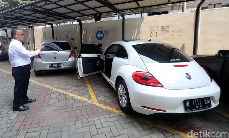 Mau Ikut Lelang Mobil Sitaan KPK, Bagaimana Mekanismenya?