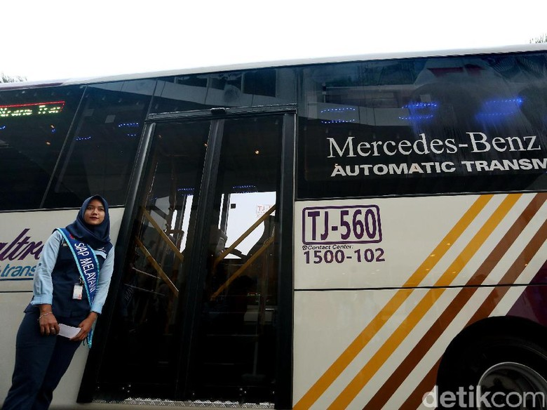 Menhub: Bus TransJabodetabek Premium Akan Ditambah 60 Unit