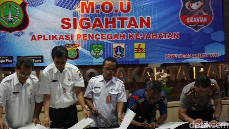 Polres Jakbar Luncurkan Aplikasi Panggil Polisi Sigahtan