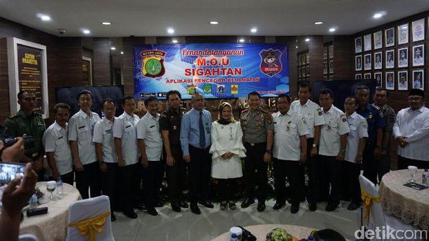 Peluncuran aplikasi SIGAHTAN di Polres Jakarta Barat.