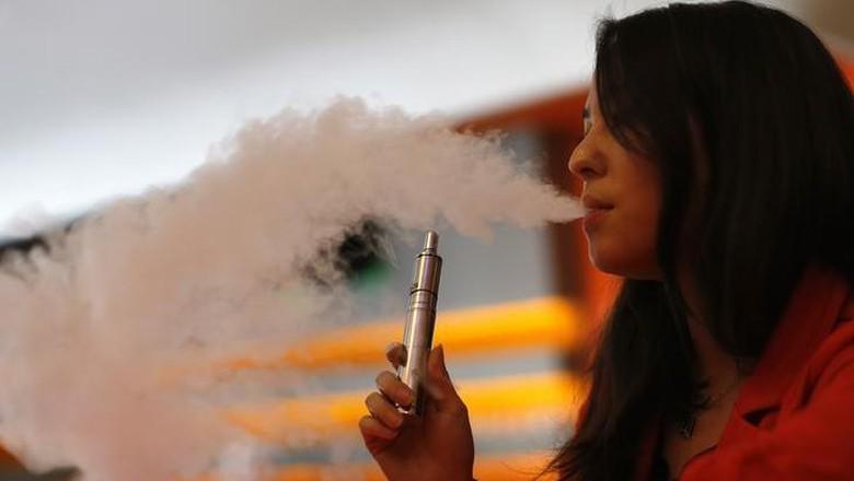 Mendag Mulai Awasi Peredaran Rokok Elektrik